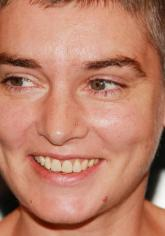 Sinéad O'Connor: Bettpartner per Netz gesucht!